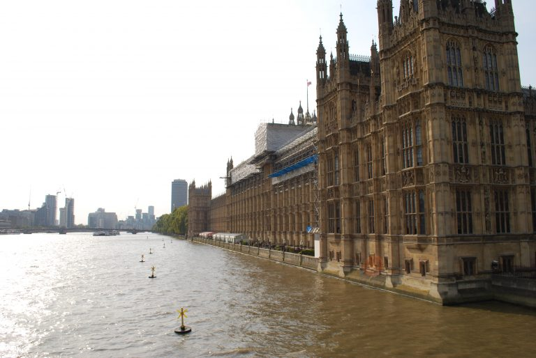 The River Thames & Houses of Parliament
